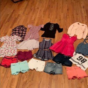 Girls size (M) 7/8 clothes bundle 17 pieces